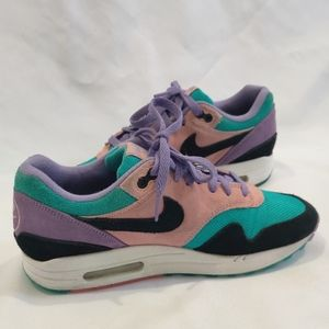 """Nike air Max """" have a Nike day"""""""